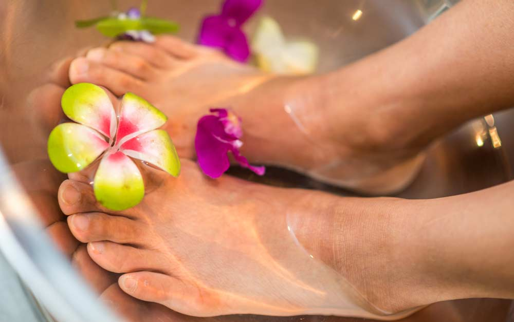 Treat yourself while losing weight, pedicure